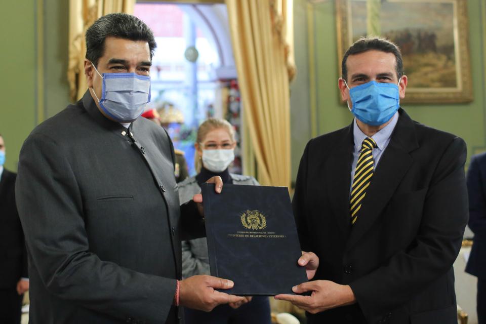 embajador de Bolivia