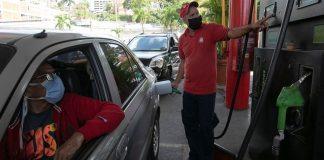 suministro de combustible por placa
