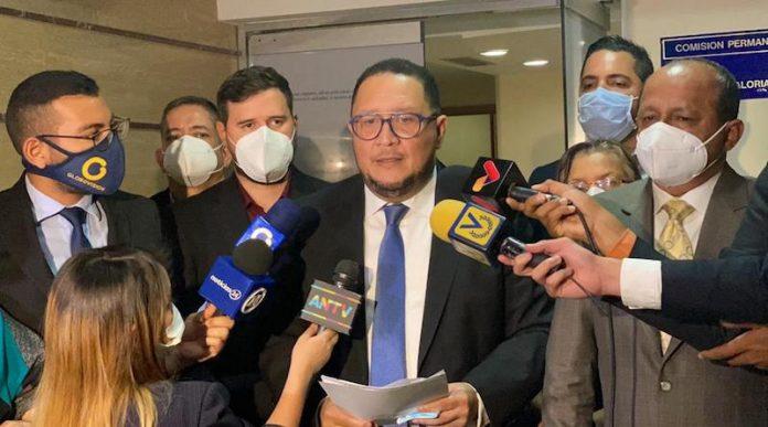 cargos contra Guaidó