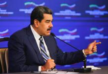 Venezuela y Rusia firman 12 documentos de acuerdos por 10 años