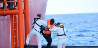 Rescatan migrantes
