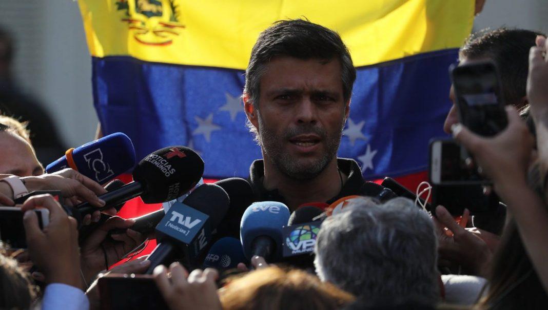 Multado Leopoldo López