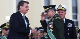 Principales jefes militares renuncian