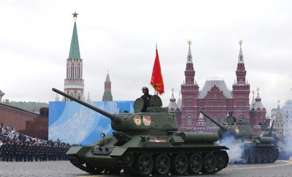 Rusia-desfile-76 día de la victoria-tanque