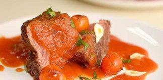 asado en salsa de tomate