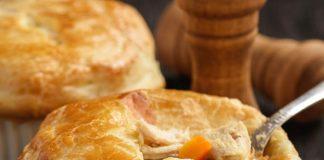 Pastel de pollo con verduras y queso