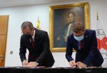 Venezuela y Cruz Roja firman convenio para reunir a niños con familiares