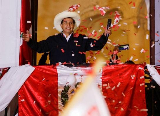 Políticos felicitan a Pedro Castillo
