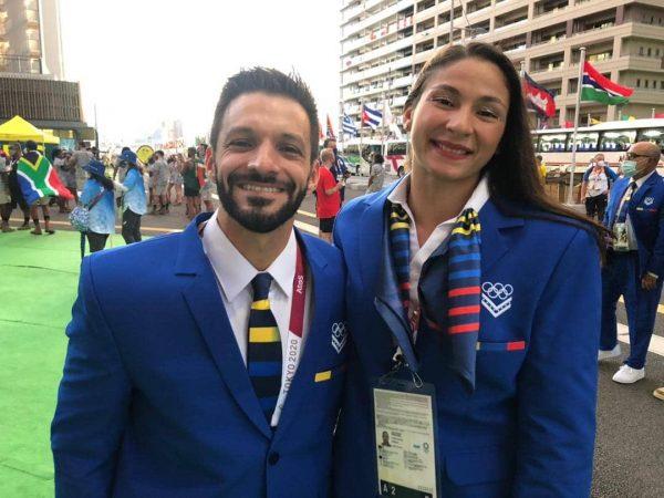 abanderados Antonio Díaz y Karen León