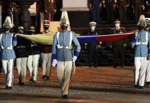 izan tricolor panteón