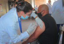 Vacunados trabajadores de Corpoelec